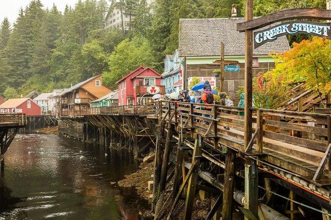 1024px-Calle_histórica_Creek,_Ketchikan,_Alaska,_Estados_Unidos,_2017-08-16,_DD_52